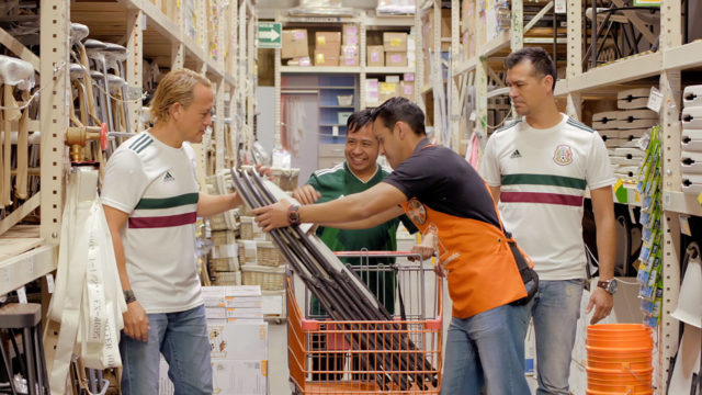 Mexico-FIFA-World-Cup-Viewing-Party-Video-Stills-Jared-Borgetti-Home-Depot-05