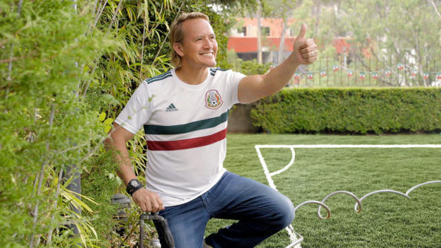 Mexico-FIFA-World-Cup-Viewing-Party-Video-Stills-Jared-Borgetti-Home-Depot-08