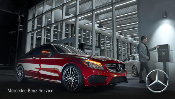"""Mercedes-Benz Service Commercial """"Service at the Ready"""""""